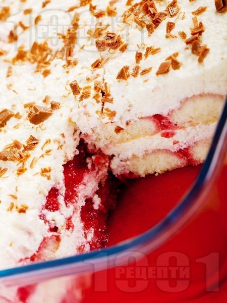 Бърза торта с бишкоти, ягоди и маскарпоне - снимка на рецептата